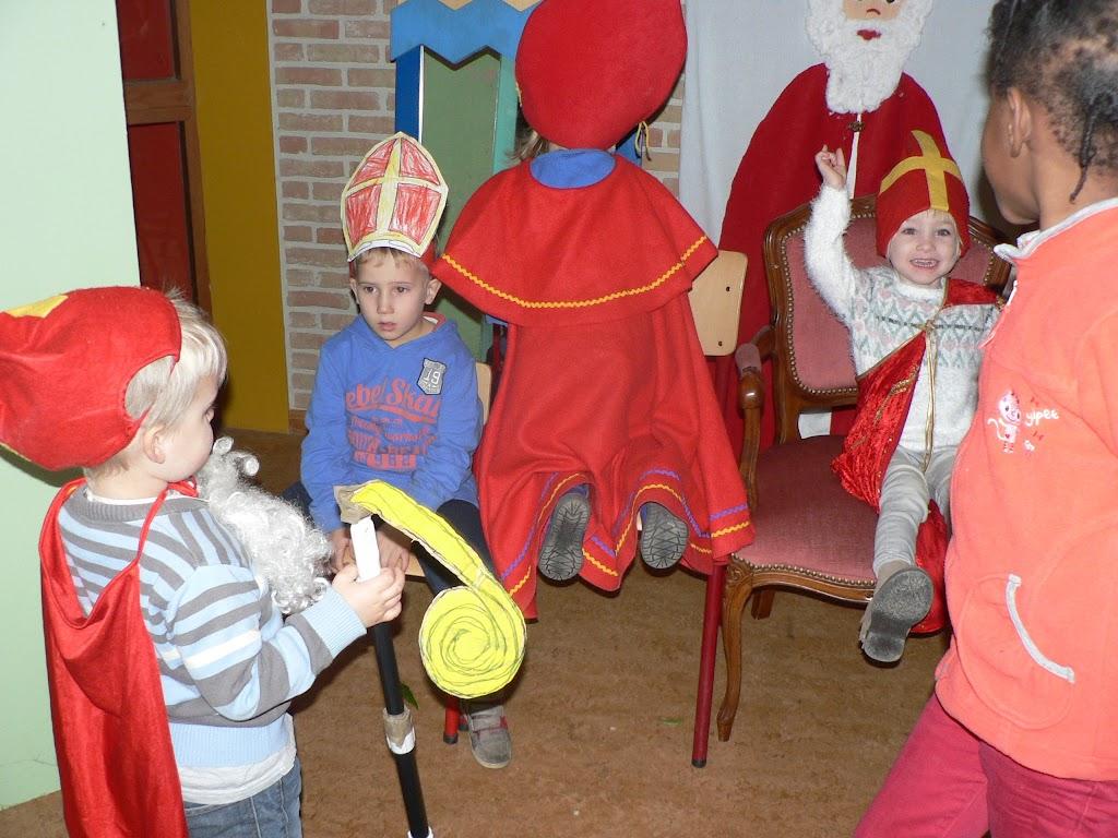 Sinterklaas op bezoek - P1270267.JPG