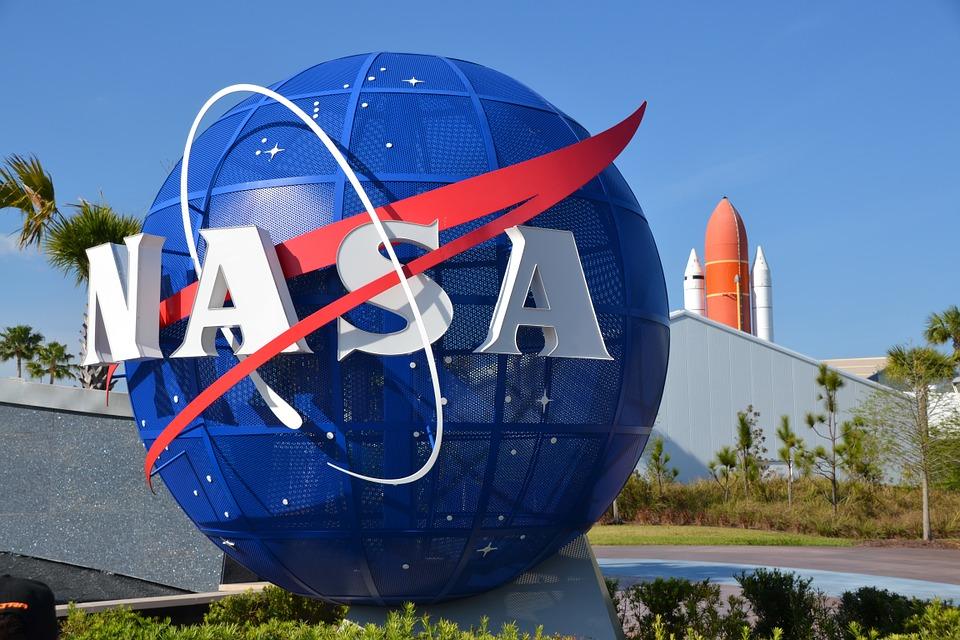 NASA đang tìm kiếm nhân viên bảo vệ Trái Đất