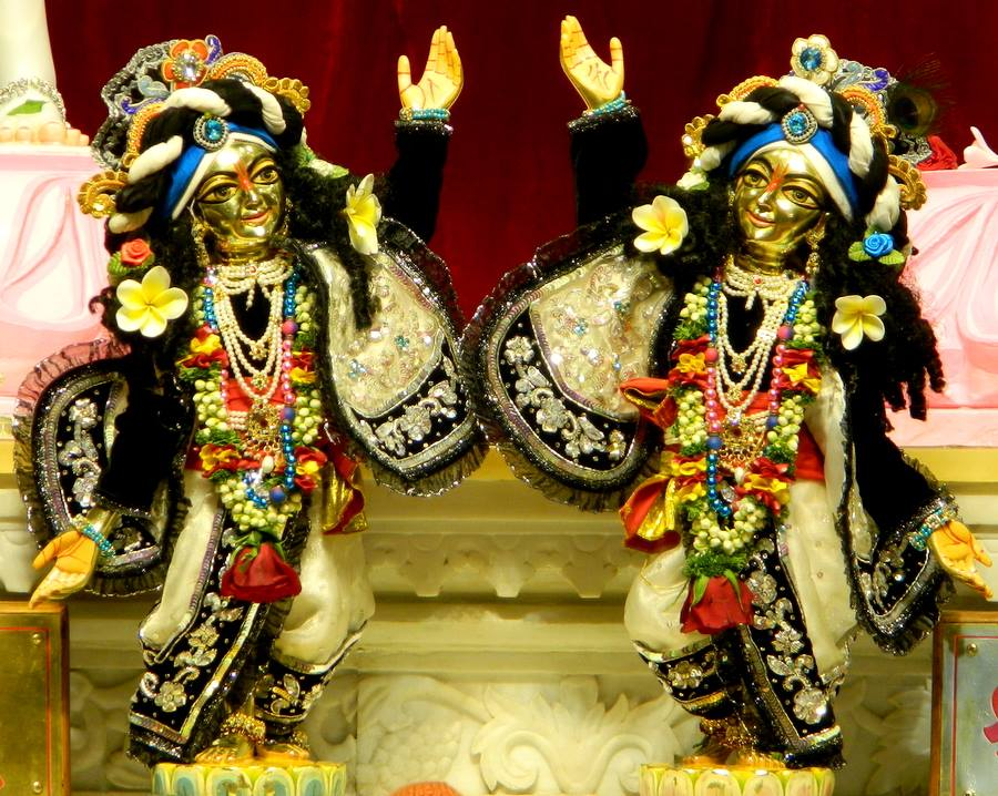 ISKCON Pune NVCC Deity Darshan 10 Jan 2017 (6)