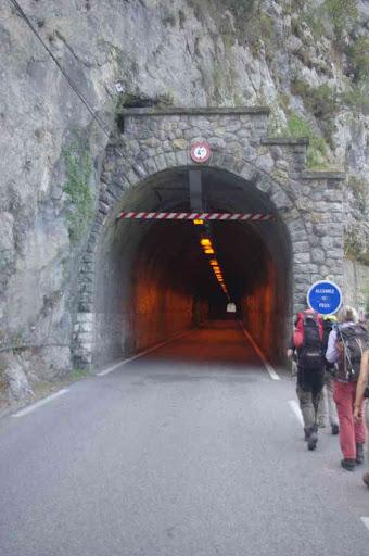 Danger, tunnel !