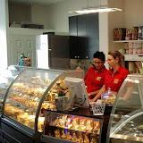 4. kép: Boldizsár Cukrászda - Tesco - Süteményes pult