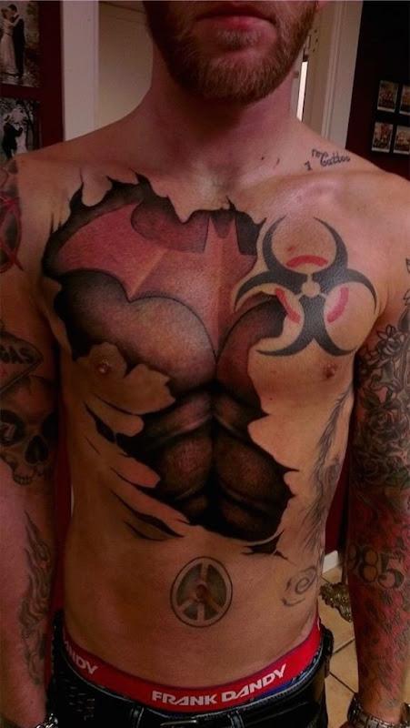 batman_tatuagem_no_peito_8