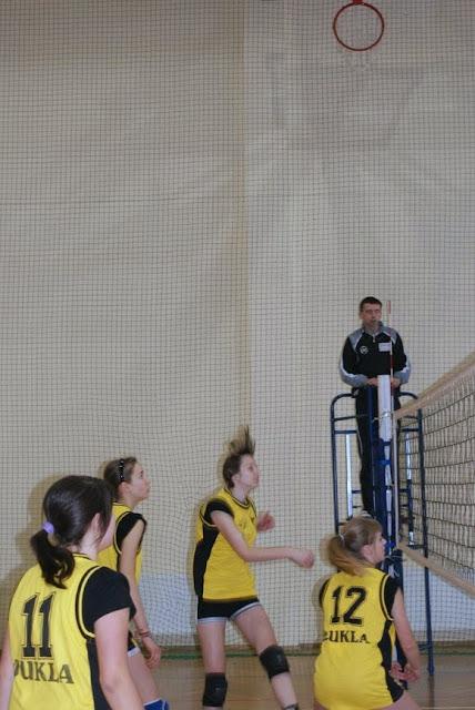 Zawody siatkarskie dziewczat 1 marca 2011 - DSC09313_1.JPG