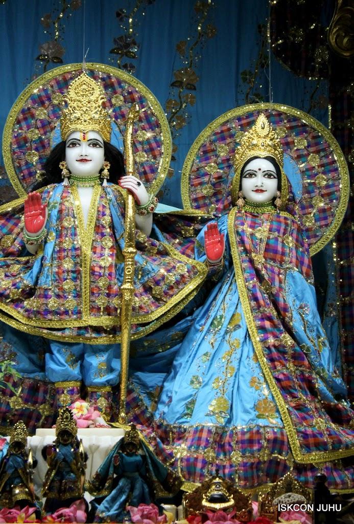 ISKCON Juhu Mangal Deity Darshan on 3rd May 2016 (6)