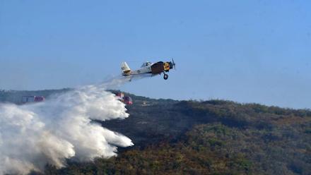 Πτώση μονοκινητήριου πυροσβεστικού αεροπλάνου στην Ζάκυνθο - Σώος ο πιλότος