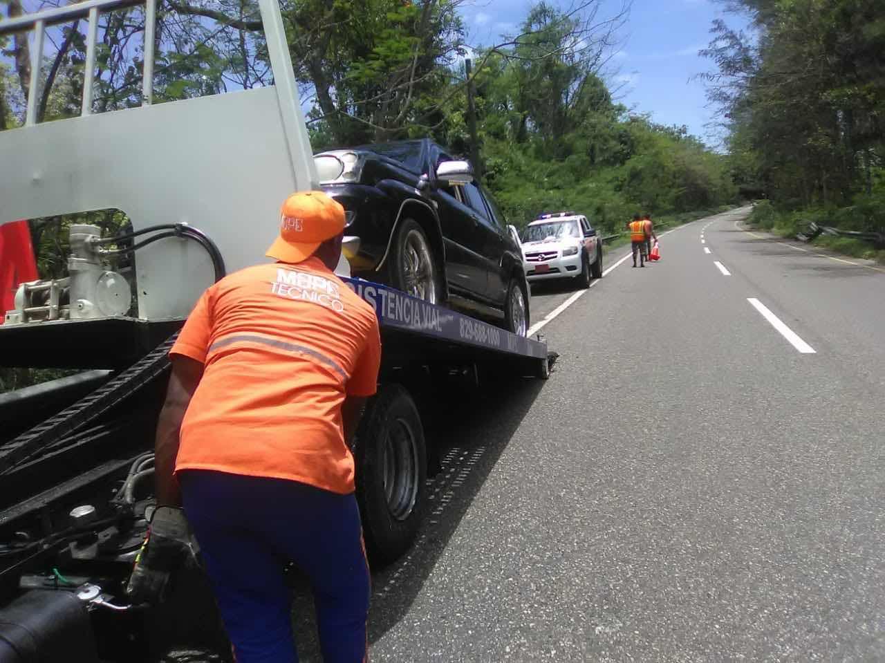 Obras Públicas asiste a 5,217 vehículos en operativo de prevención de accidentes con motivo Día de las Madres