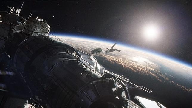 Imagen de la película Gravity significativa del efecto envolvente de Dolby Atmos