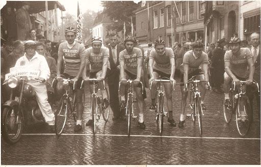 foto 17 Nk clubs 1957 (1).jpg