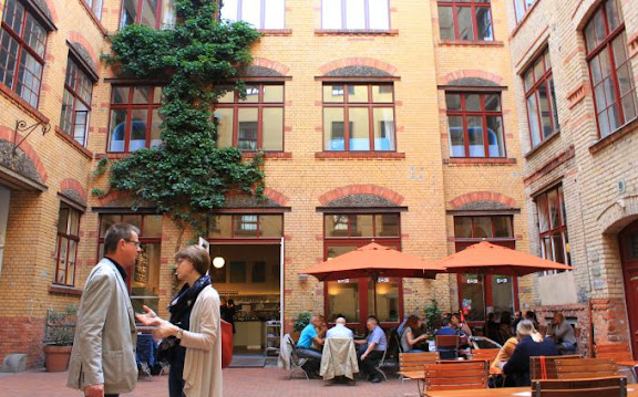 Berlin Scheunenviertel.jpg