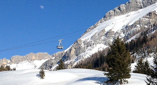 Seilbahn am Col du Pillon (1546 m)