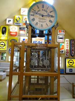 2018.07.02-166 ancienne horloge d'église 18è siècle