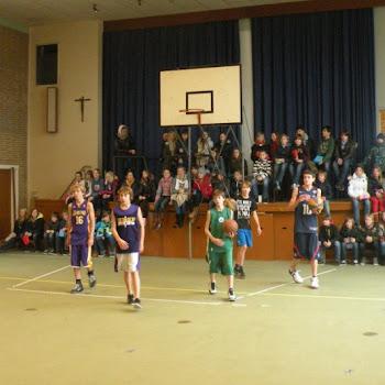 Basketfinale tegen leerkrachten 2012