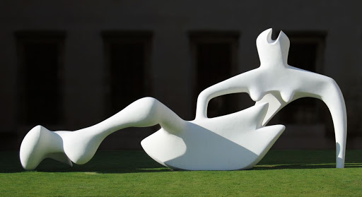 Henry Moore - 16 RecliningFigure 1951 Fitzwilliam Museum, Cambridge. .jpg