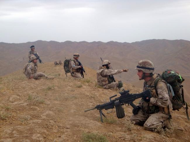 EL ULTIMO DIA. PARTIDA ABIERTA. LA GRANJA. 04-01-15 Defensa-militares-espanoles-afganistan-090312