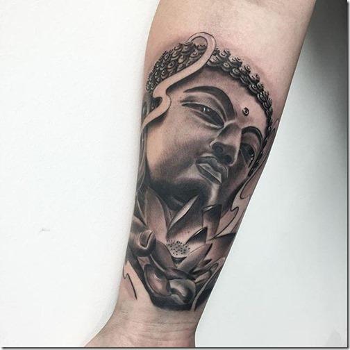 maestro_espiritual_en_tonos_de_gris_en_el_brazo