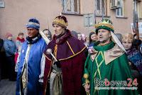 http://bobowa24.pl/2018/01/bog-jest-dla-wszystkich-orszak-trzech-kroli-przeszedl-po-raz-trzeci-ulicami-bobowej-tv/#