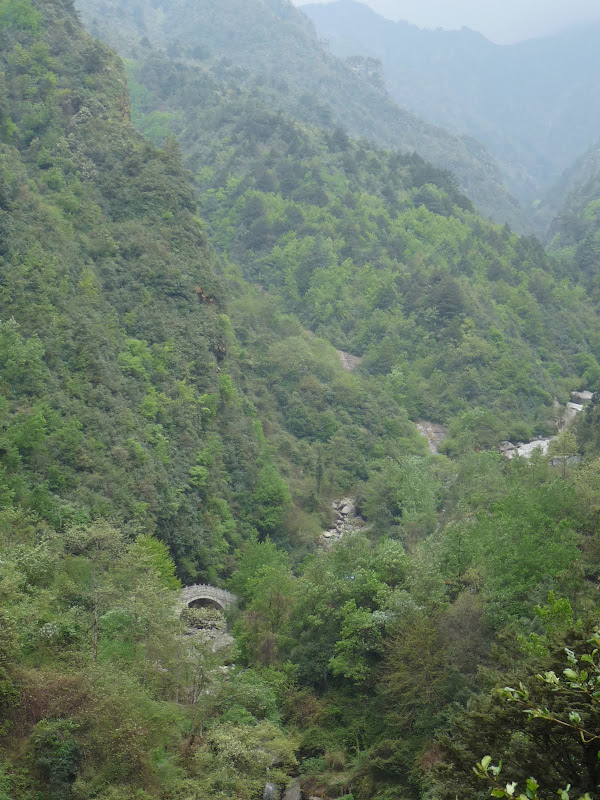 Chine .Yunnan. Dali ,petite randonnée au temple de Zhong he 3 - P1170616.JPG