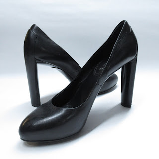Céline Black Leather Pumps