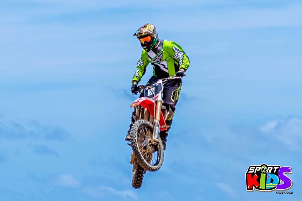 extreme motorcross Aruba - moto%2Bcross%2BGrape%2Bfiled%2BApril%2B2015-6.jpg