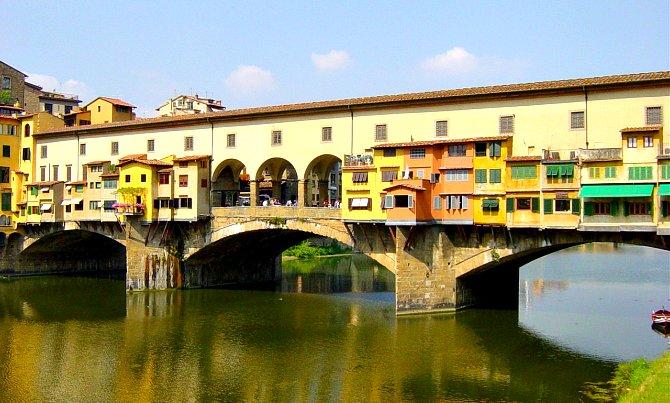 A Ponte Vecchio, azaz a Régi híd az Arno folyó fölött