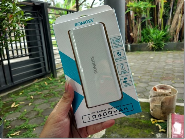 Hands On Power Bank Romoss Sense 4 LED 10400mAh