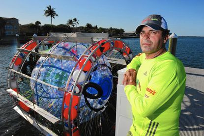 Adventurer's plan to 'walk on water' for 3 weeks from Florida to New York in a floating bubble ends in just one day (photos)