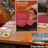 Muziek op schoot in bieb Nieuwe Pekela - Foto's Harry Wolterman