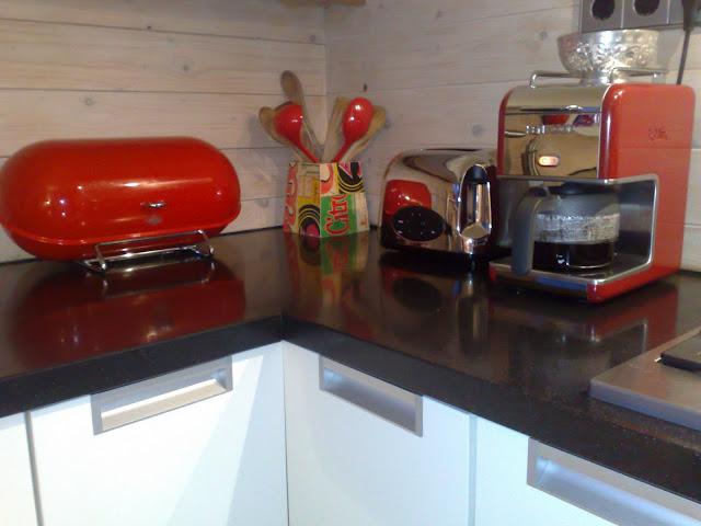 Spoediez mooi rood is niet lelijk - Keuken met rode baksteen ...