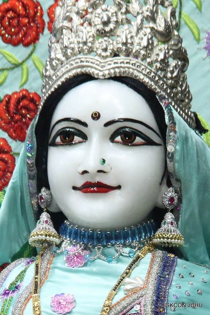ISKCON Juhu Mangal Deity Darshan on 24th June 2016 (7)