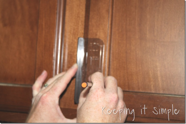 how-to-install-kitchen-cabinet-hardware (3)