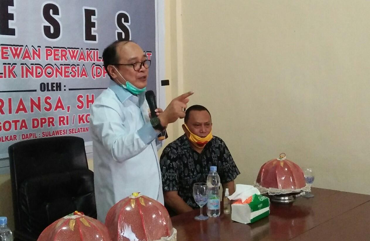 Indonesia Raya Menggema di Kantor IWO Soppeng, Ini Kesan Supriansa