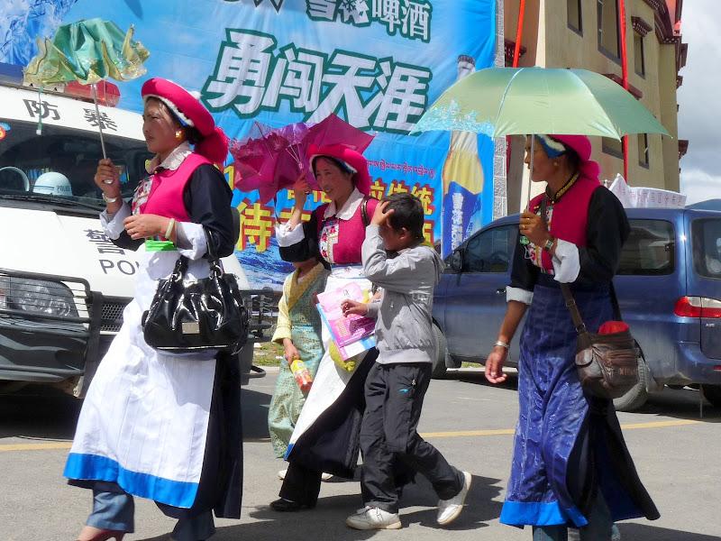 Chine. Yunnan.Shangri la Course hippique annuelle - P1250735.JPG