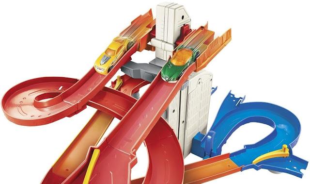 Mô hình Hot Wheels City Auto Lift Expressway gúp rèn kỹ năng khéo léo