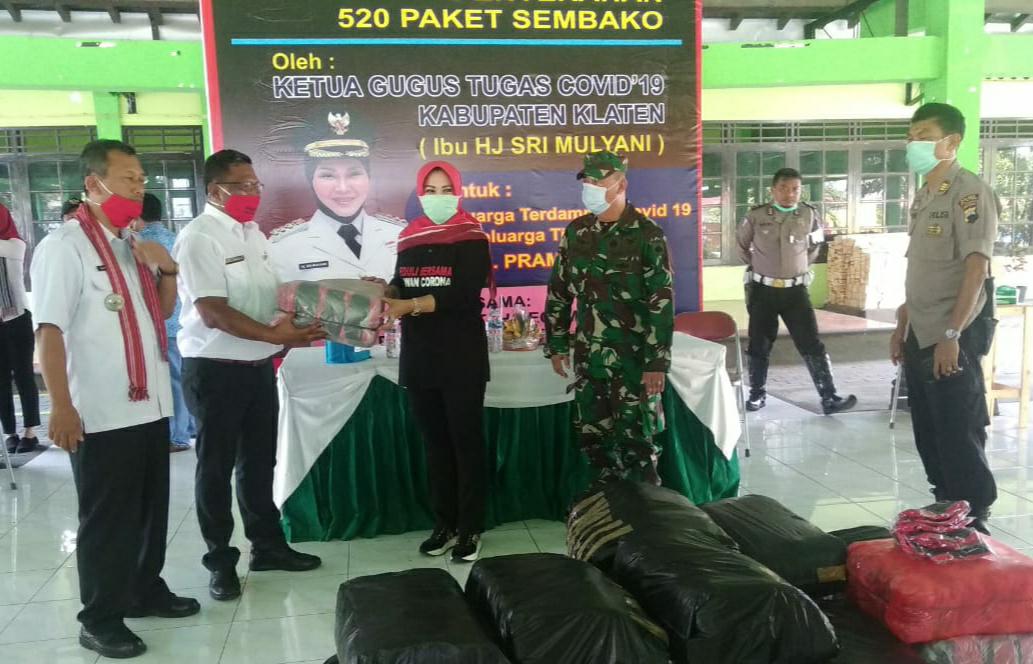 Pemkab Klaten Bantu 47 Ribu Masker di 7 Kecamatan. Bupati ; Gugus Tugas Covid-19 Pemdes Harus Ketat Isolasi Mandiri Pemudik