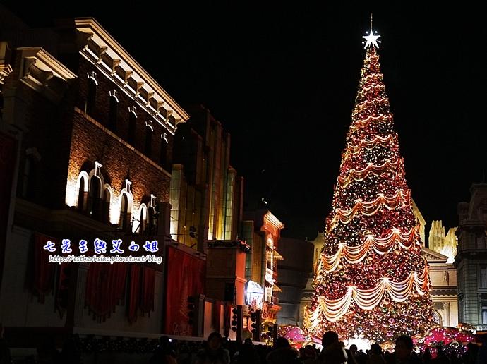 25 超大耶誕樹