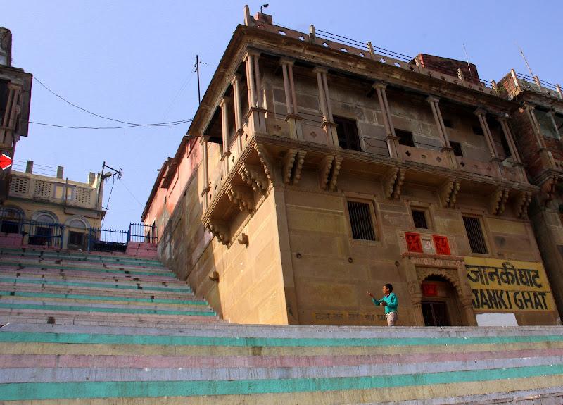 #Varanasighats #Uttarpradesh #travelblog