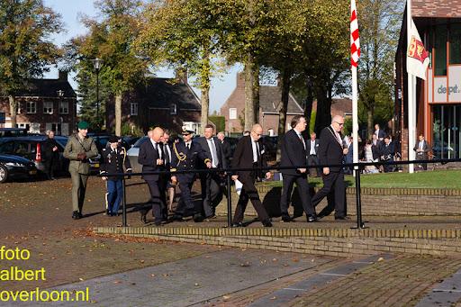 herdenkingsdienst  en een stille tocht naar het Engelse kerkhof 12-10-2014 (1).jpg