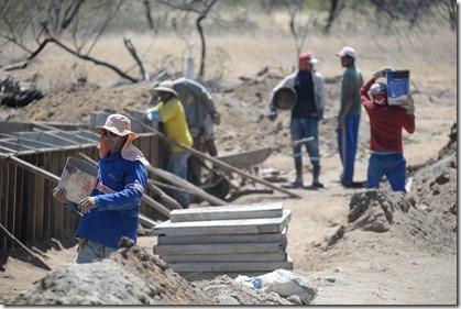 Construção de passagem molhada na comunidade Ronaldo Valença (2)