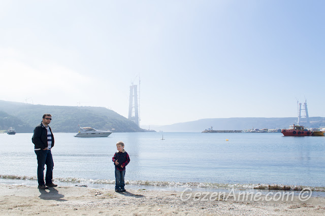 Poyrazköy koyu ve üçüncü köprünün inşa edilen ayakları