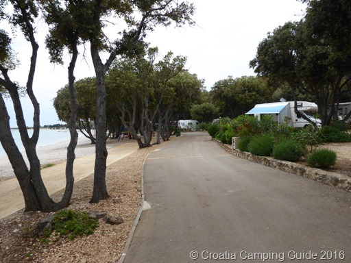 [Croatia+Camping+Guide+-+Camp+Strasko+Beach+%26+Pitches%5B5%5D]