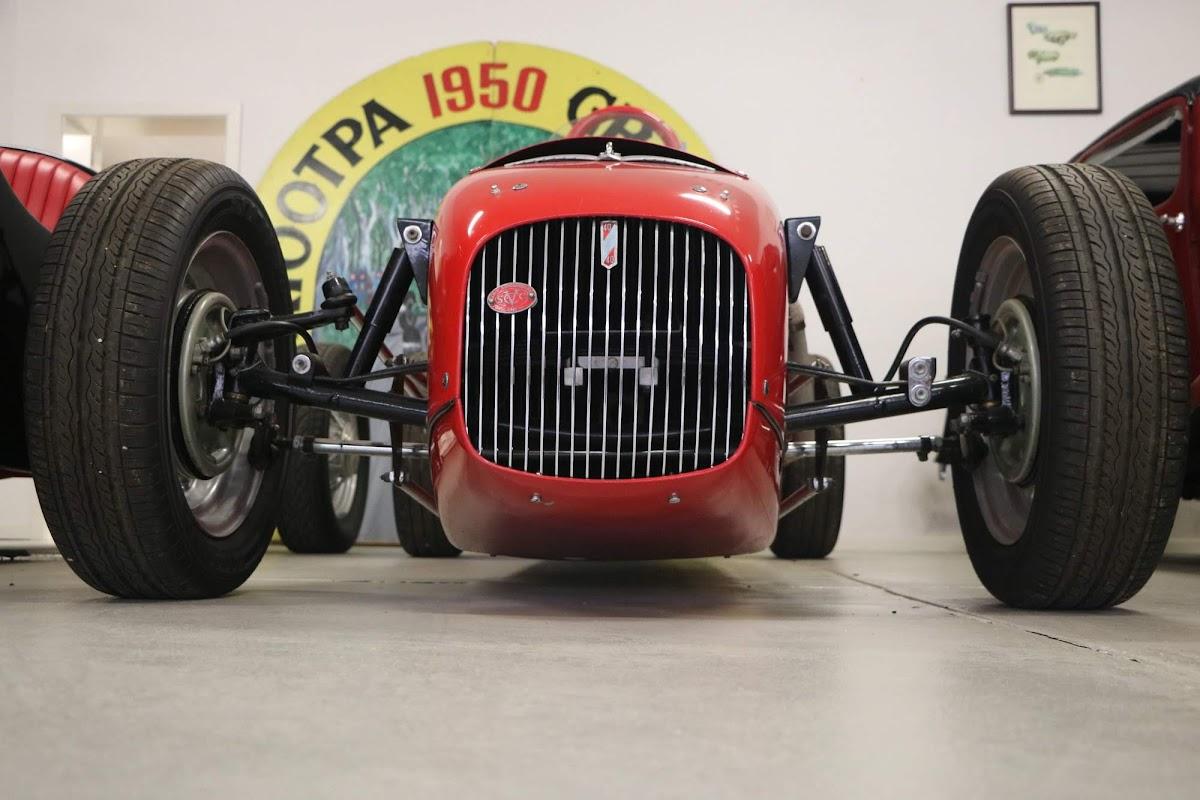 Carl_Lindner_Collection - Austin A40 18.jpg