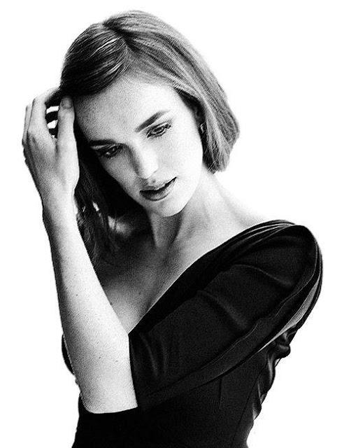 Elizabeth Henstridge Profile pictures, Dp Images, Display pics collection for whatsapp, Facebook, Instagram, Pinterest.