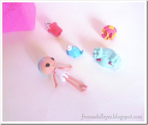A Lalaloopsy blind box doll, she is beach themed.