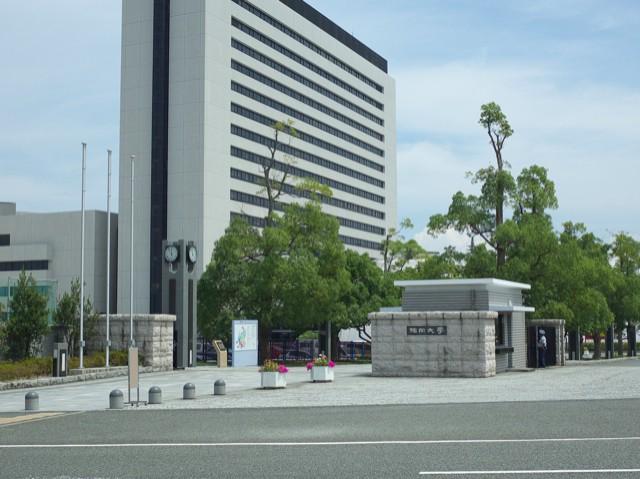 福岡大学の門