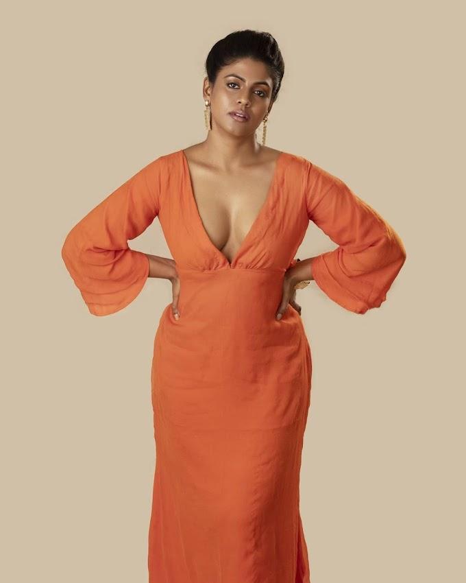 South Indian Actress Ineya Hit Photosoot pics
