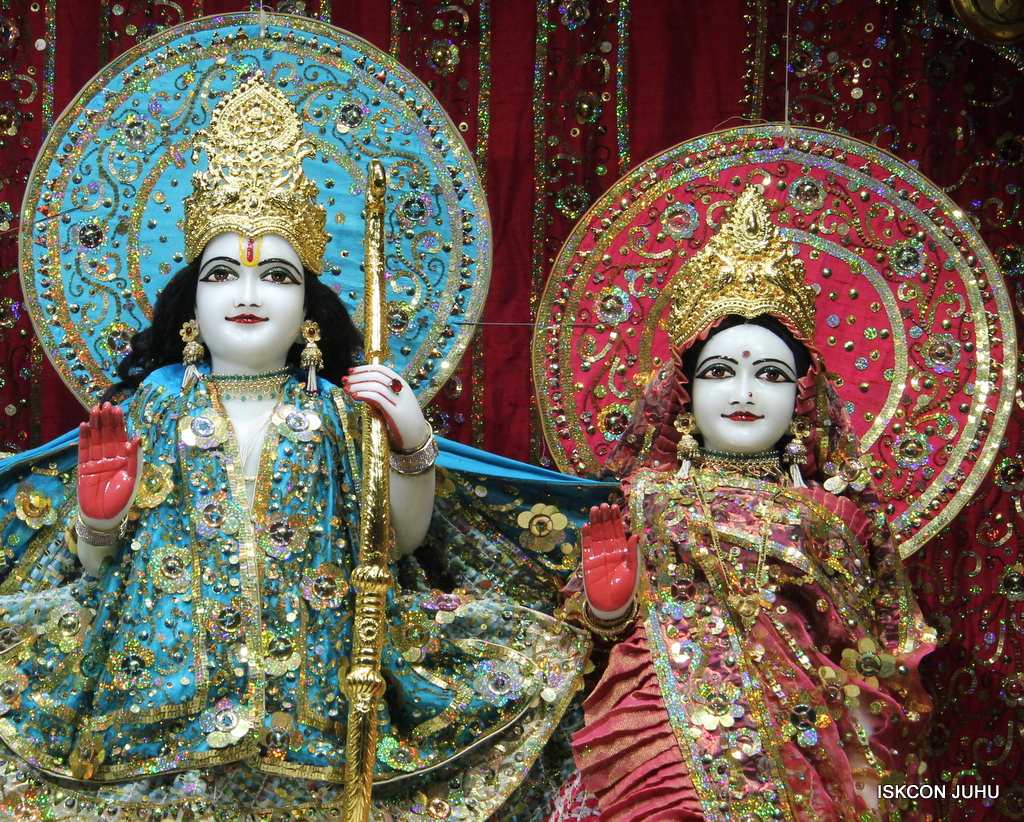 ISKCON Juhu Mangal Deity Darshan on 25th Oct 2016 (7)