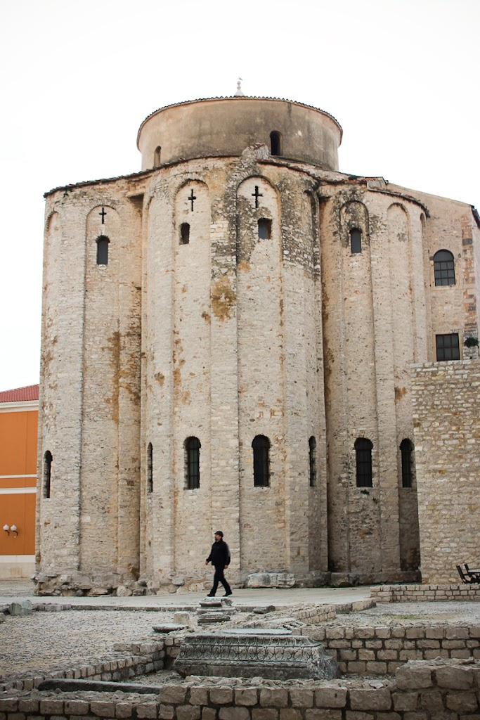 Croatia - Silba, Zadar, sky, cats, windows - Vika-8295.jpg