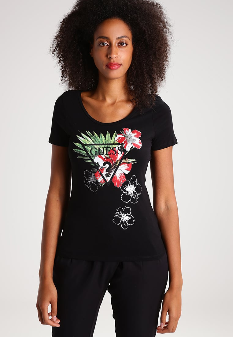 MODERN T-SHIRT STYLES FOR CASUAL SOUTH AFRICAN WOMEN 3