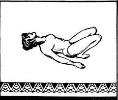 Лежа на спине, подтянуть сомкнутые ступни к ягодицам и развести колени в стороны