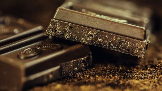 Çayın yanında tatlandırıcı olarak çikolata kullanın